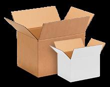 Scatole di cartone e fogli